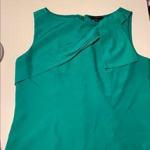 Banana Republic Kelly green sleeveless blouse